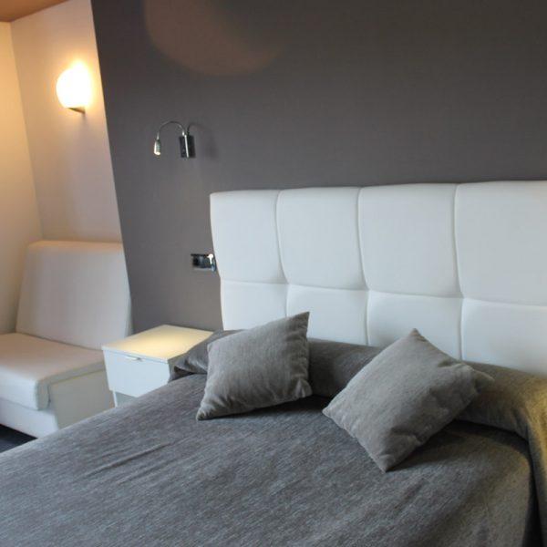 Habitación doble superior cama hotel el salt