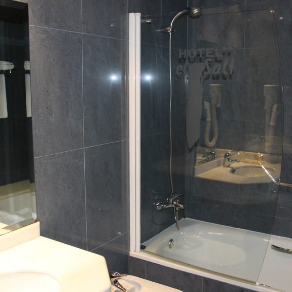 Habitación dos camas superior ducha