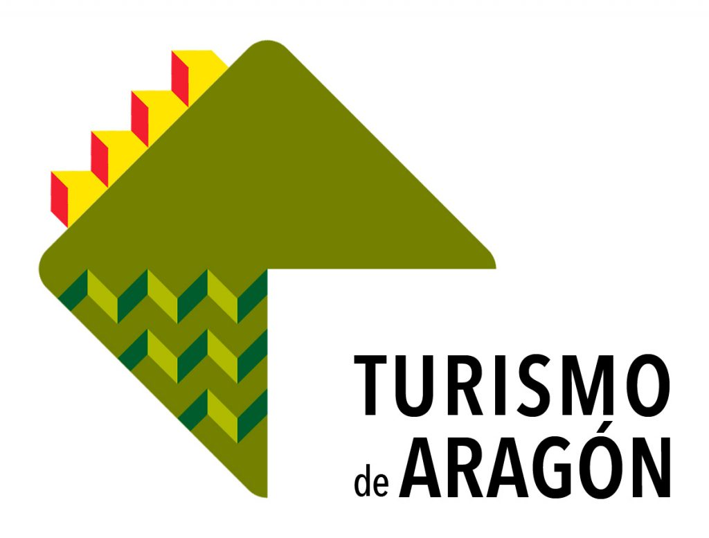 Recibimos la Placa al mérito turístico del Gobierno de Aragón.